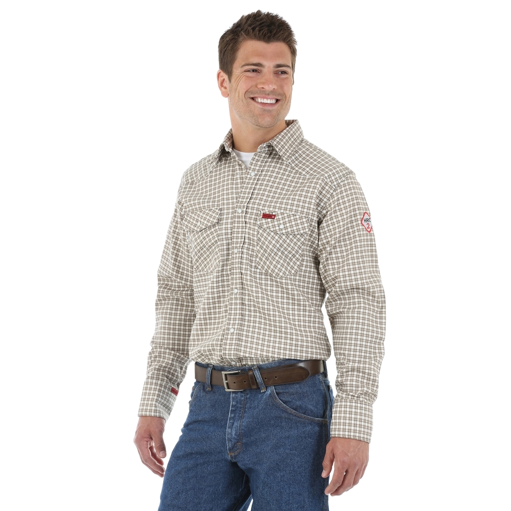 4d10fae717e3 Wrangler Plaid Men s FR Light Work Shirt